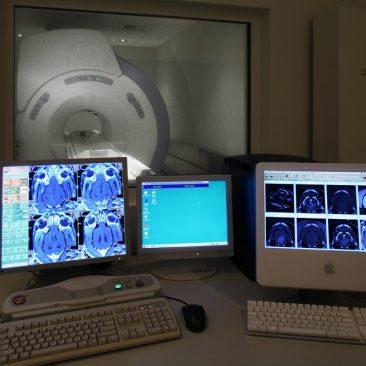 MRI GE Consule